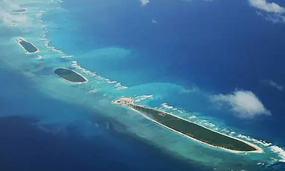 the philippines illegally building structures on vietnams island in east sea