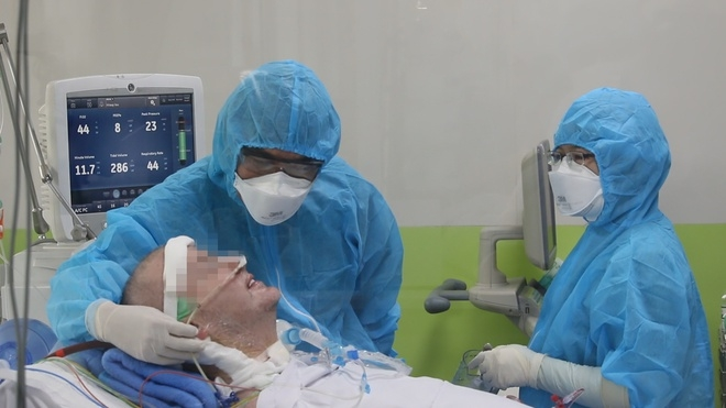 coronavirus miraculous recovery of critical ill british pilot patient stopping ecmo intervention