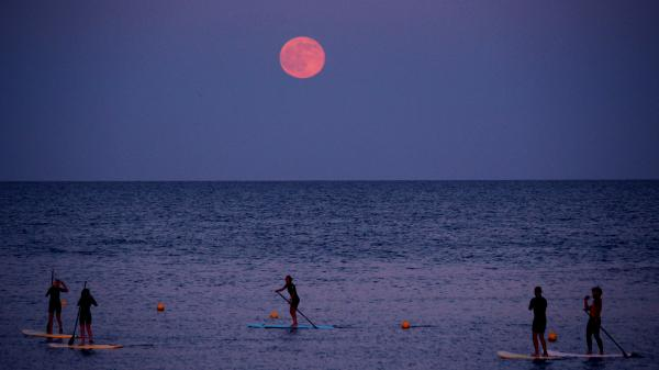 strawberry moon 2020 comes on june 5 and gives fabulous opportunities to gazers