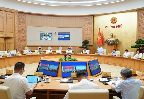 vietnam pm agrees to reopen services of karaoke parlors and discos