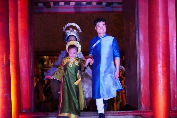impressive ao dai vietnamese cultural heritage at the temple of literature imperial academy