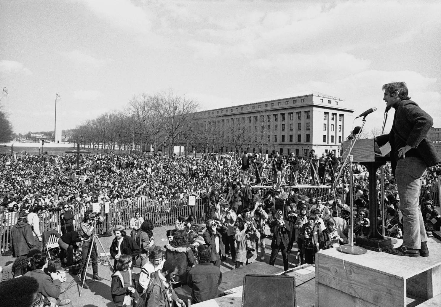 Daniel Ellsberg, chief defendant in the Pentagon Papers case, addresses an anti-war crowd in Harrisburg, Pa., on April 1, 1972. RUSTY KENNEDY, AP