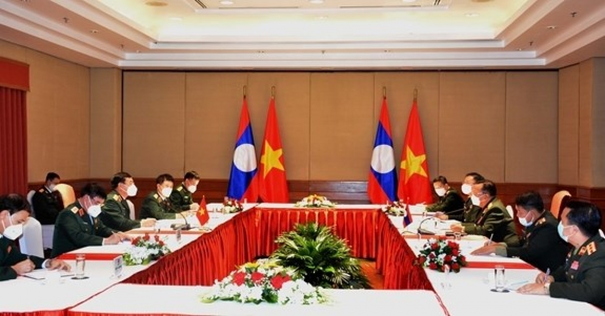 Vietnam, Laos discuss to promote mutual support and cooperation for defense