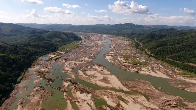 mekong river facing severe drought amidst serious flooding in china