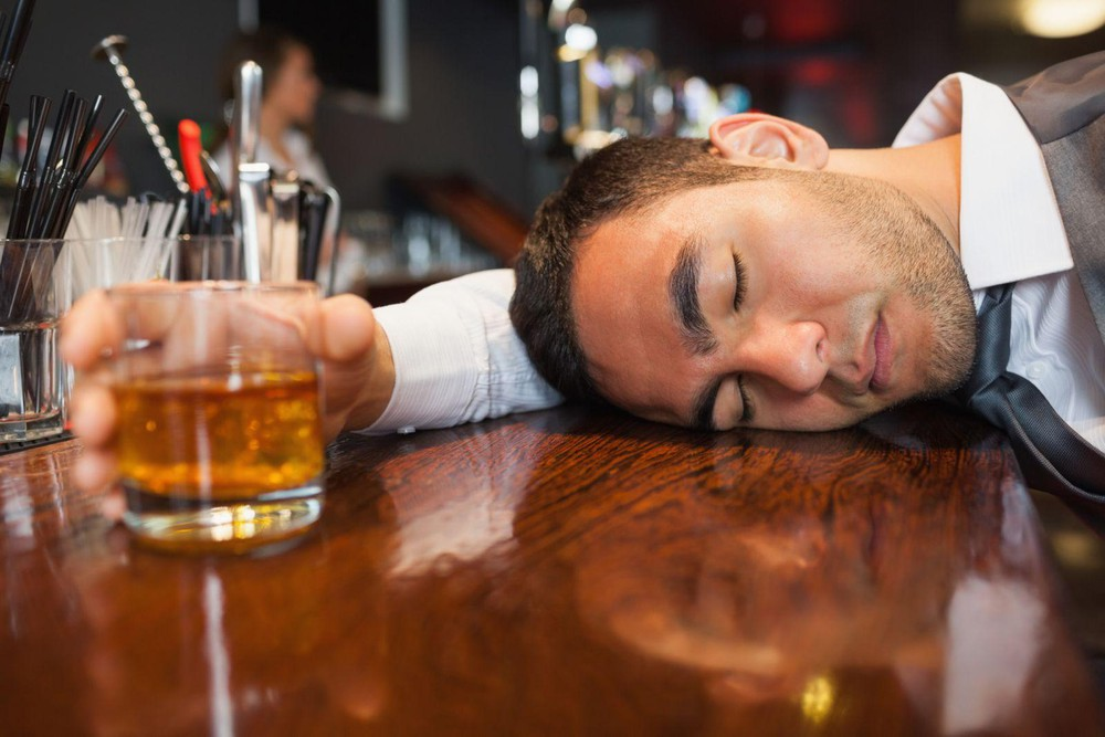 foreigners died and hospitalized after drinking beer