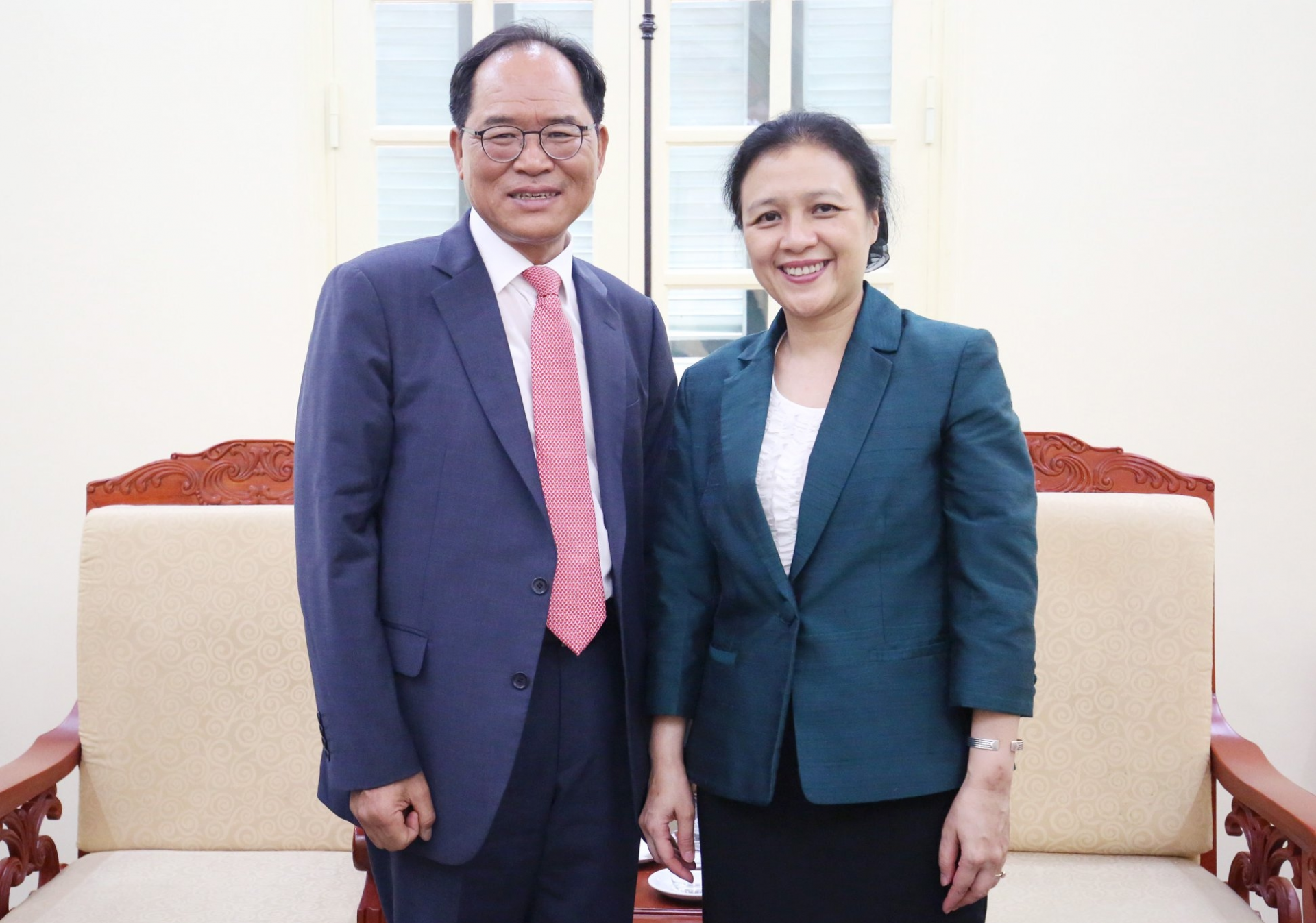 korean ambassador to vietnam paid a visit and courtesy greeting vufo