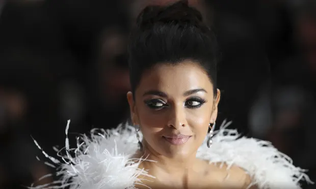 aishwarya rai bachchan miss of miss worlds bollywood star taken to hospital due to covid 19