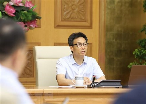 vietnam deputy pm orders strictly handling violations of covid 19 control regulations