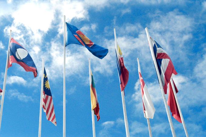 asean balances the us china confrontation experts