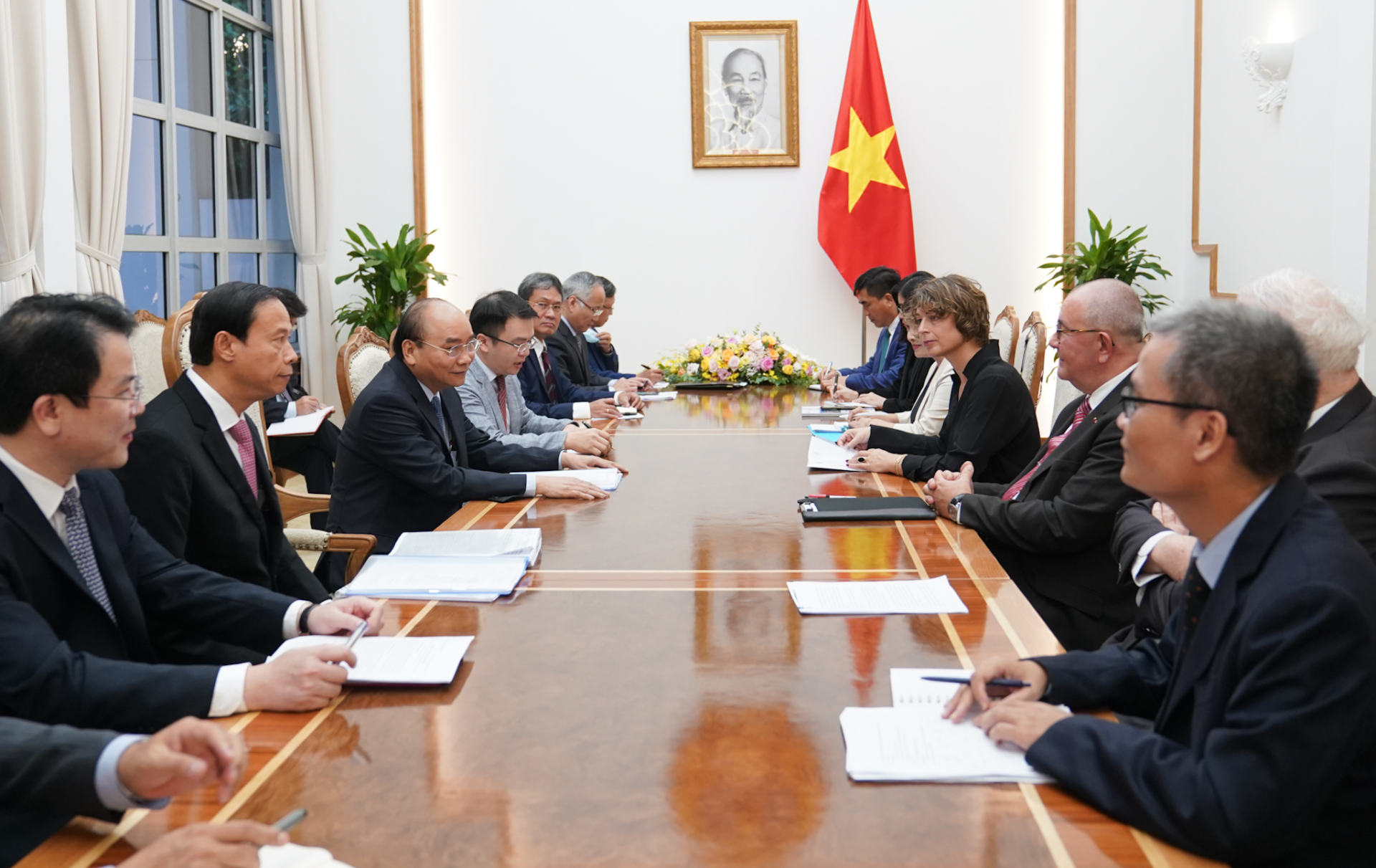 vietnam creates more favorable condition for eu investors affirmed by pm