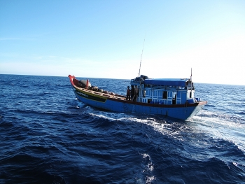 500 hours afloat with fishermen