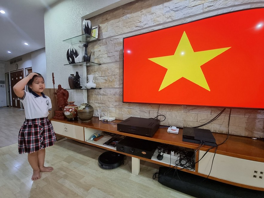 Millions of Hanoi Students Unprecedentedly Attend Online New School Year Opening Ceremony At Home