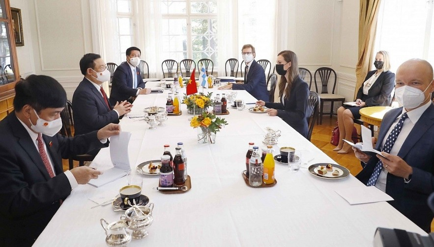 Both sides discuss numerous measures to promote cooperation betwen Vietnam and Finland.
