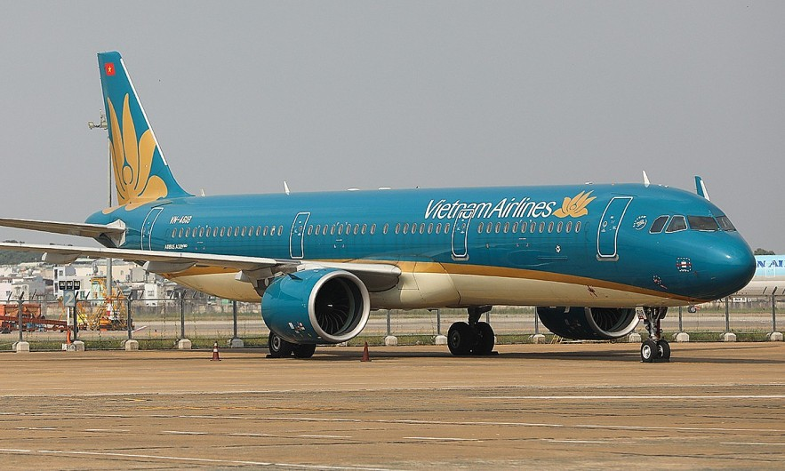 A Vietnam Airlines plane at the Tan Son Nhat Airport in HCMC. Photo by VnExpress