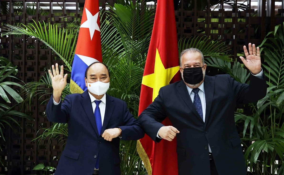 State President Nguyen Xuan Phuc Meets with Cuban Prime Minister in Havana