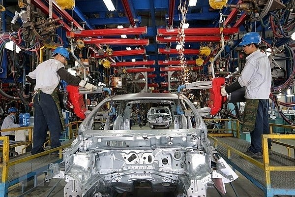 At an assembly workshop of Ford Vietnam CO., Ltd in Hai Duong province.(Photo: VNA)