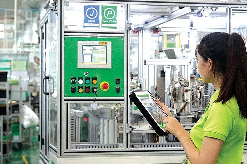 Vietnam's Industry 4.0 strategy will need a completed legal framework, Photo: