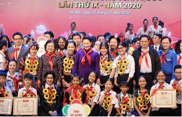 Outstanding children honoured at Hanoi ceremony
