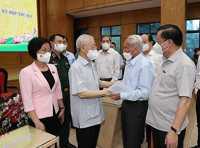 Party General Secretary Nguyễn Phú Trọng met with Ba Đình District's voters on Saturday. — VNA