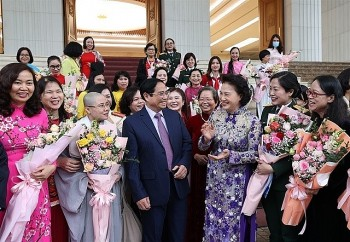 Vietnamese PM: Country Always Creates Favourable Environment to Women's Advancement