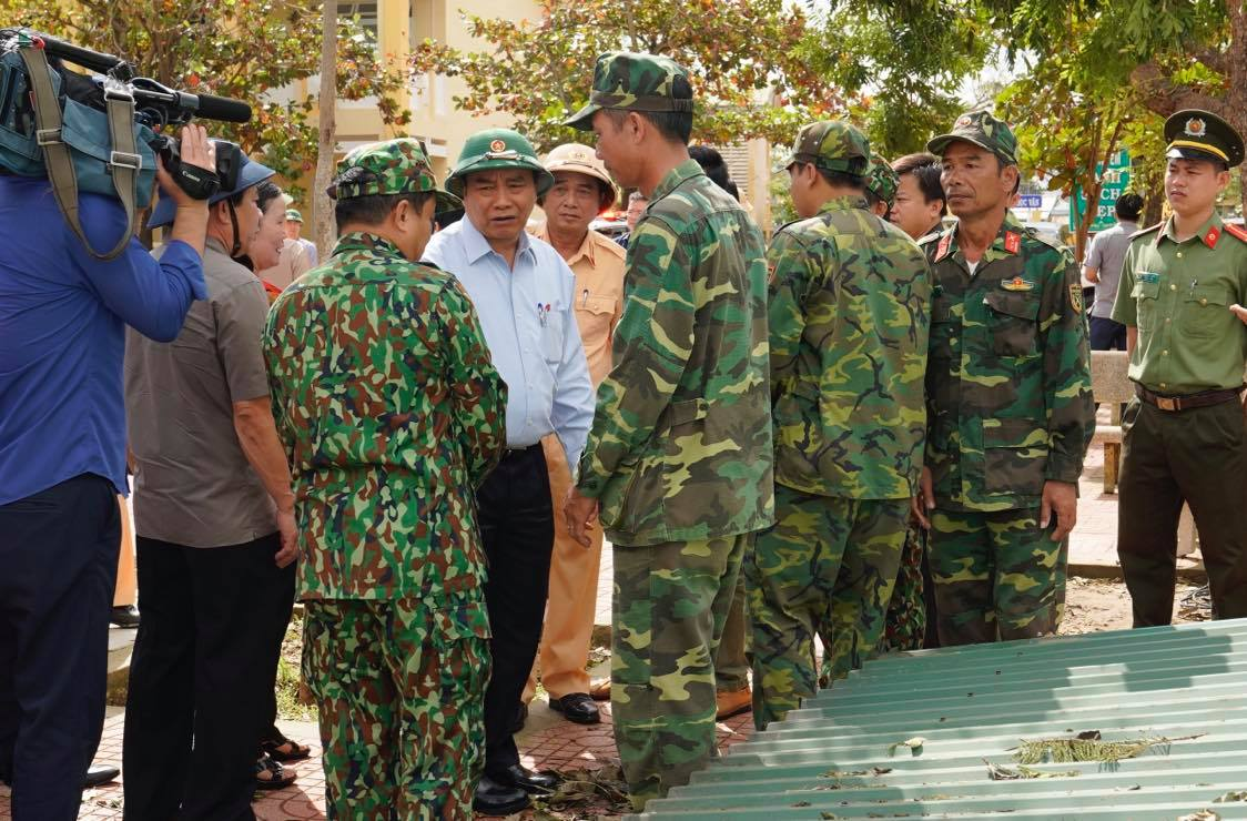 PM Phuc conducts inspection tour to storm-hit provinces