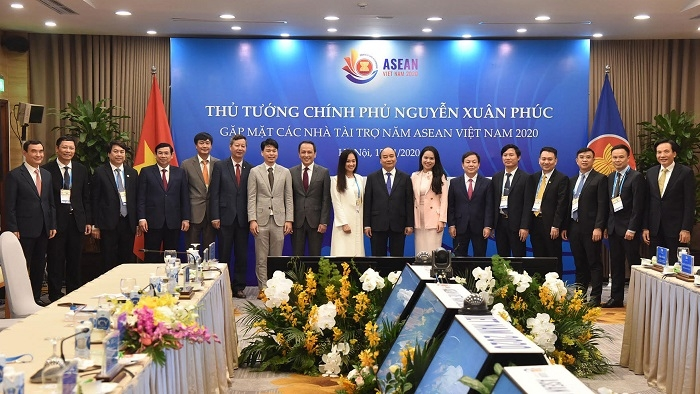 pm meets sponsors of 37th asean summit and related summits