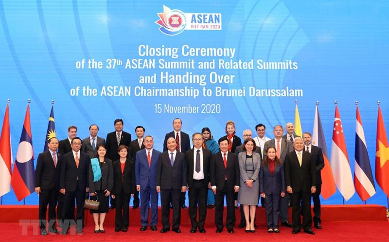 How ASEAN led by Vietnam during a year of havoc and chaos