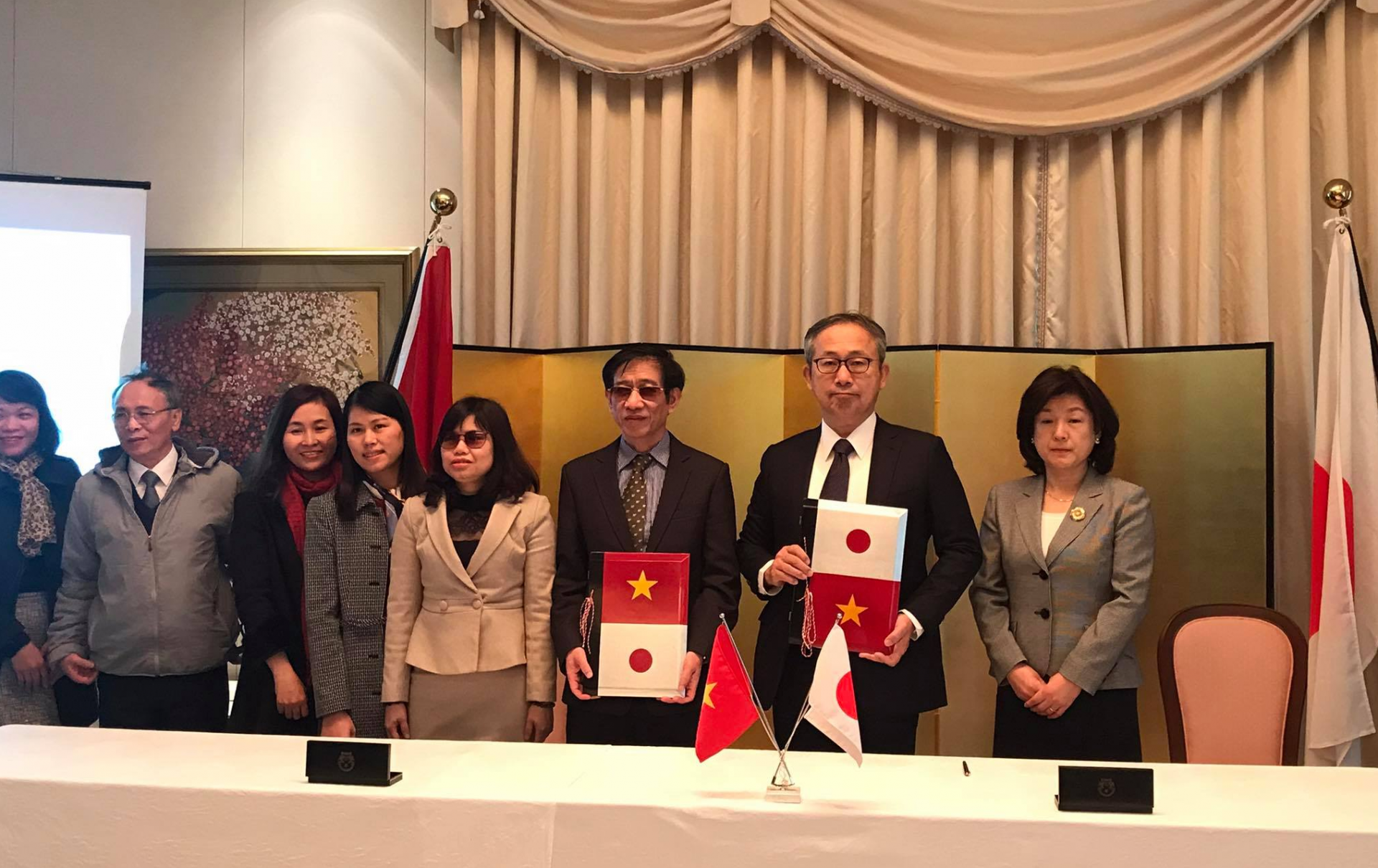 Japanese Ambassador speaks highly people-to-people cooperation in signing ceremony of 7 small-scale grant aid projects