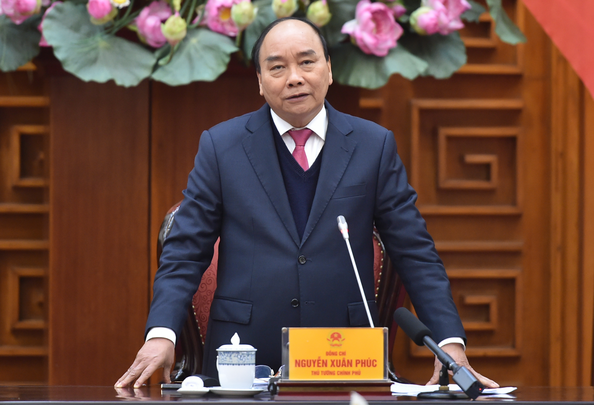 PM Phuc encourages establishment of Vietnam