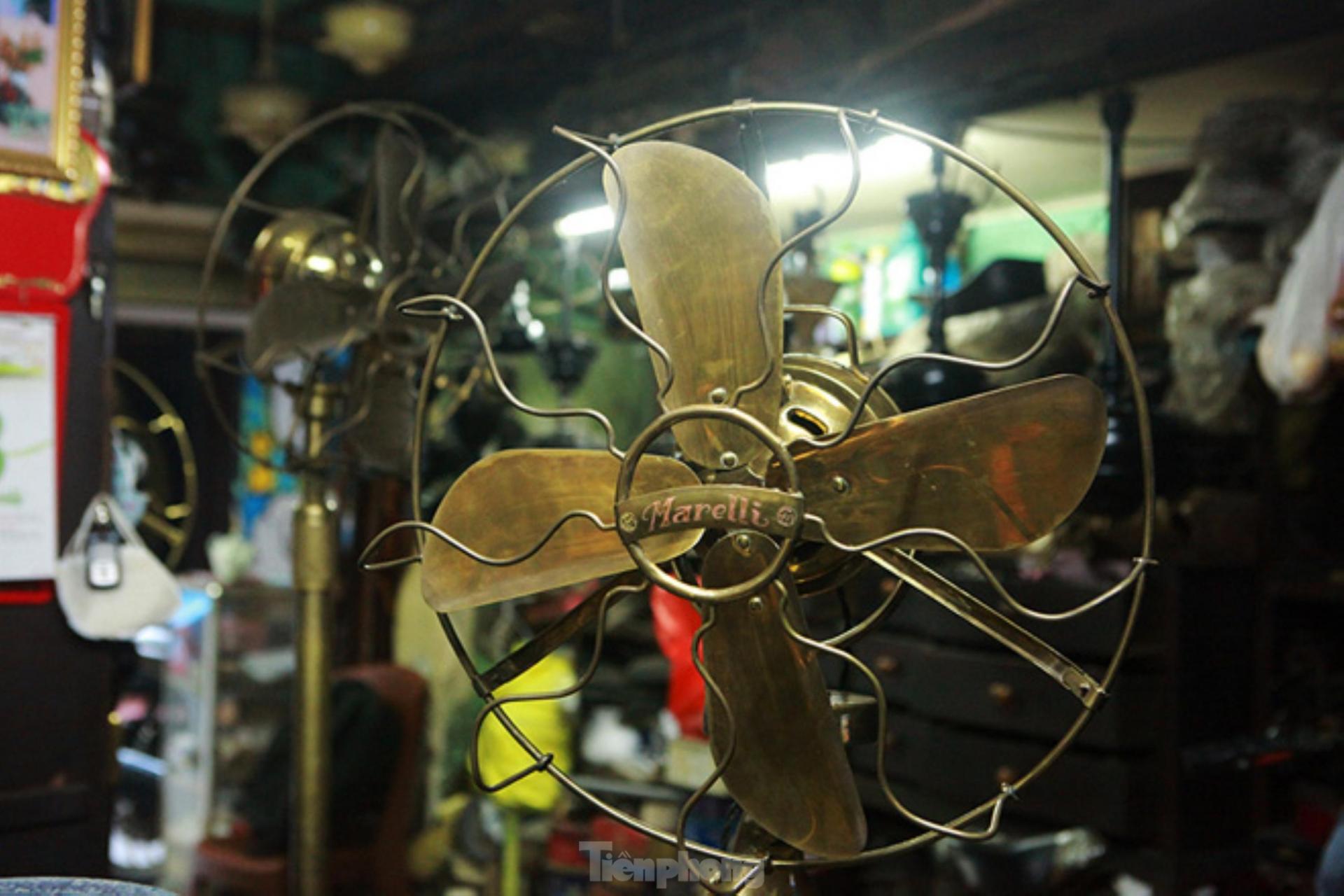 """Fan museum"" in the middle of Hanoi"