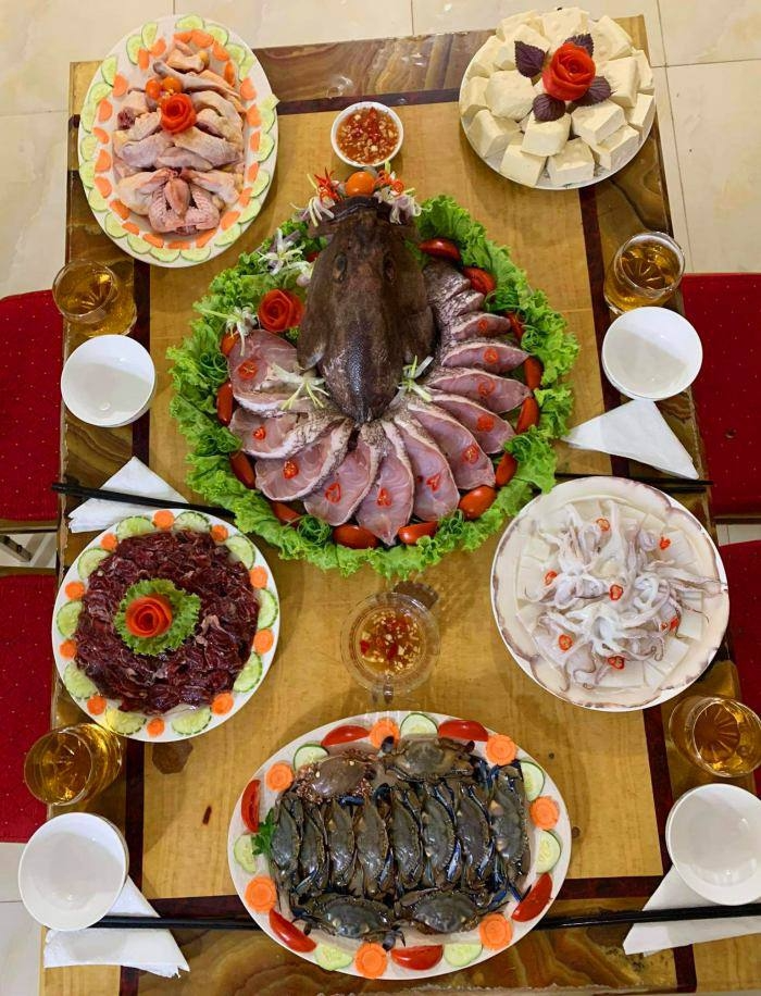 In photo: 10-year traditional meals of Vietnamese expat in Africa
