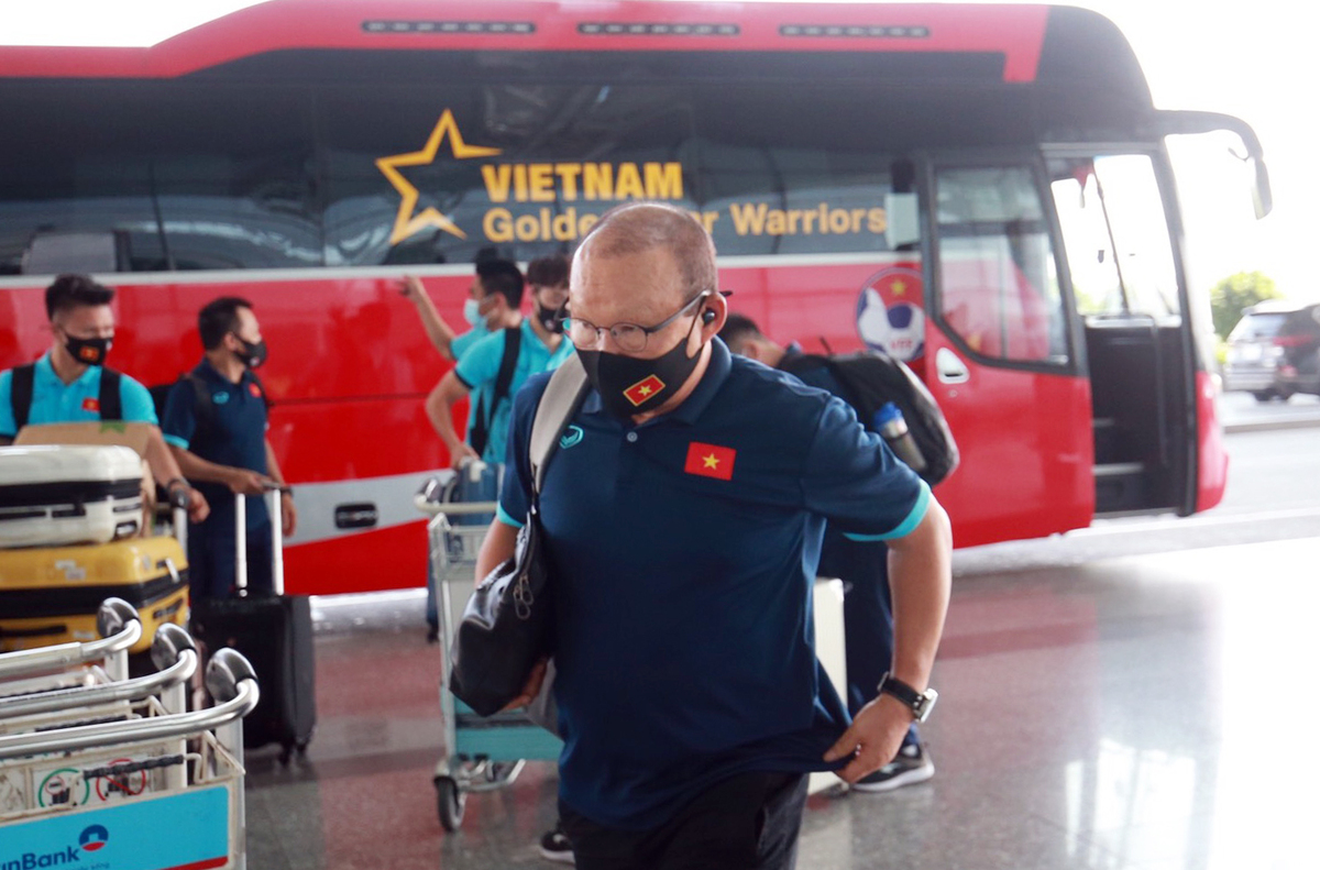 In photos: Vietnam arrives in UAE for World Cup qualifiers