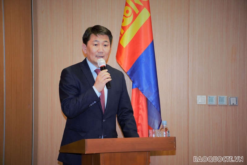 Disseminate local laws to Vietnamese community in Mongolia