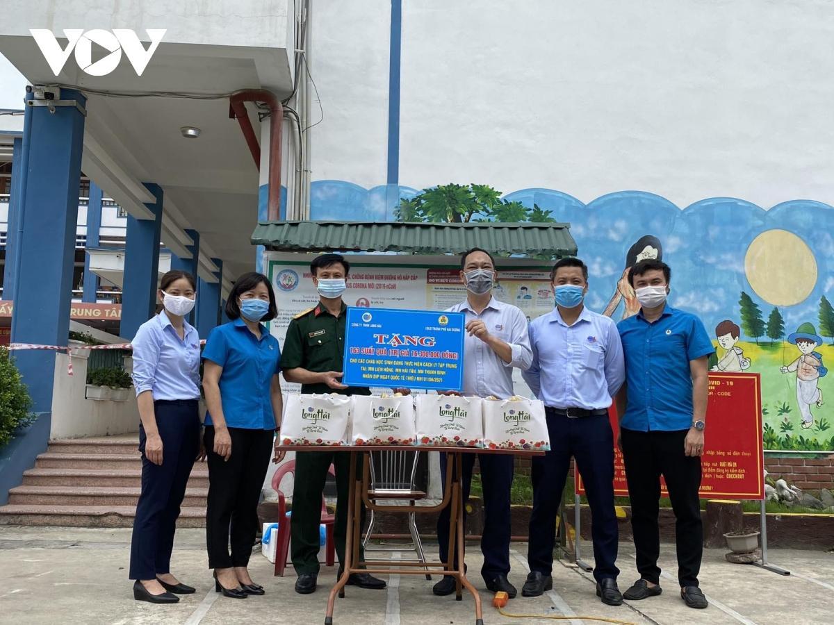 Special Children's Day in Hai Duong's blockade area