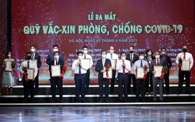 Launching ceremony of the Vaccine Fund for COVID-19 Prevention and Control. Photo: VNA