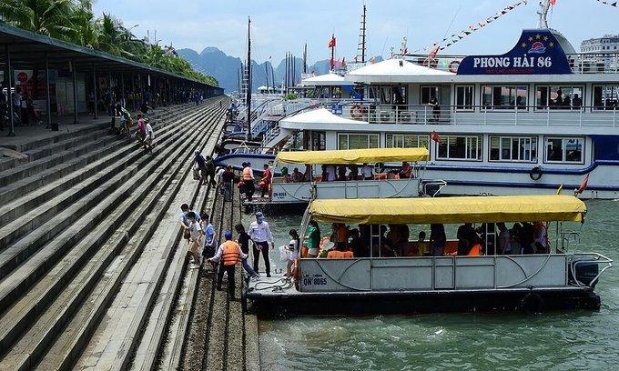 Tourists visit Ha Long Bay in Quang Ninh Province, April 30, 2021. Photo: VnExpress