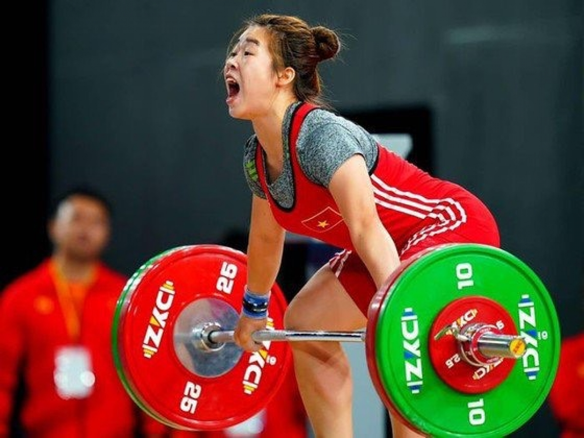 Hoang Thi Duyen is among three Vietnamese weightlifters who have successfully qualified for the upcoming Tokyo Olympics. Photo: VOV