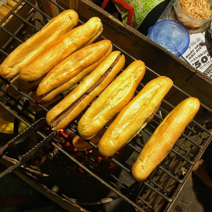 How to make 'banh mi': Check different regional styles in Vietnam - Video