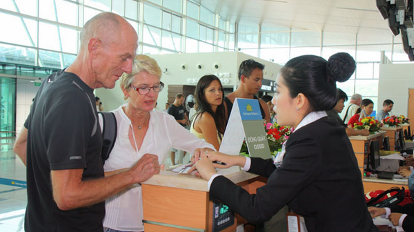 Foreigners need additional documents when traveling on domestic flights in Vietnam