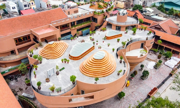 Top new check-in point in Hanoi of unique Bat Trang Ceramic Museum-Video