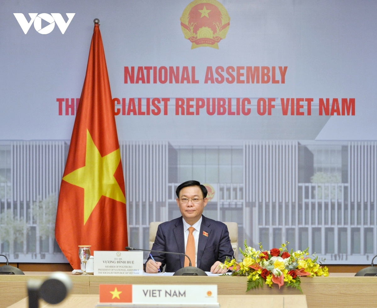 NA Chairman Vuong Dinh Hue of Vietnam pushes for a stronger extensive strategic partnership between Vietnam and Japan during his phone talks with Oshima Tadamori, Speaker of the House of Representative of the Japanese Diet. Photo: VOV