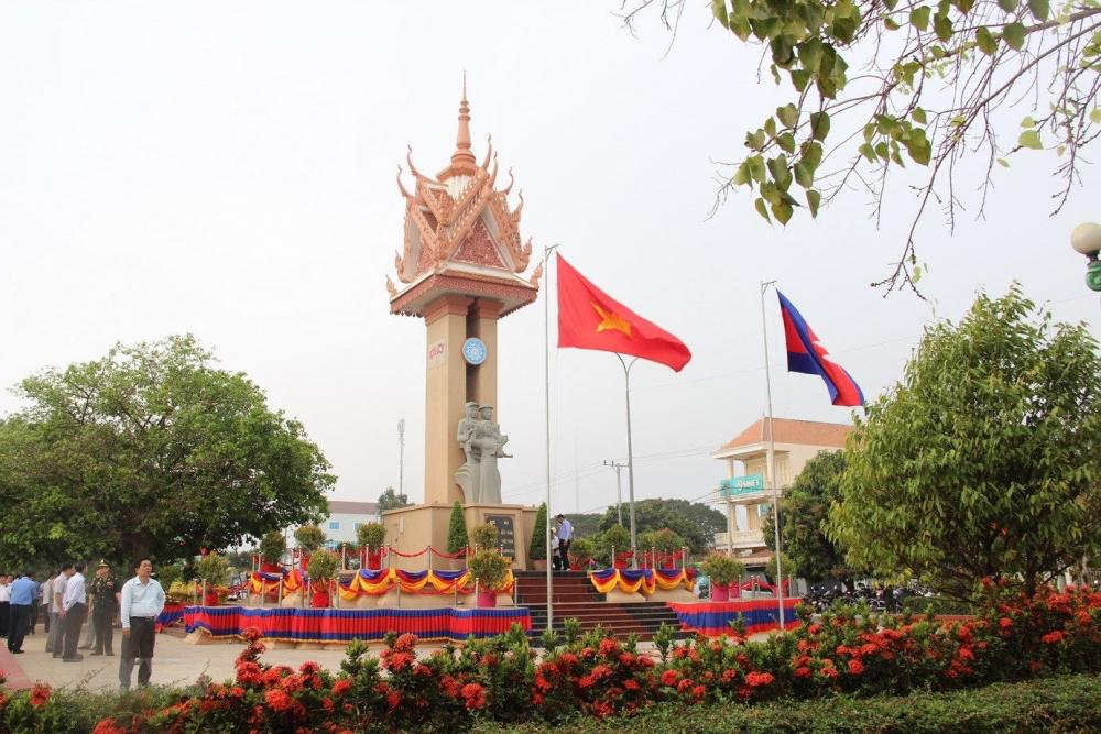 Vietnam - Cambodia Friendship Monument: Sacred symbol of 2 nations