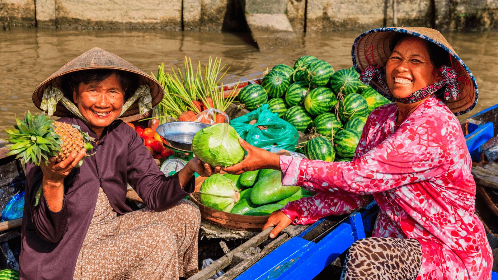 Floating market in Mekong Delta. Photo: bestpricetravel