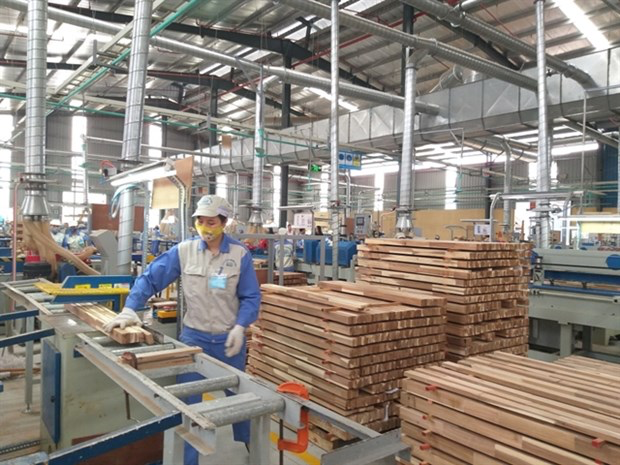 This year the export markets for Vietnamese wood industry is expected to be excellent, experts said. (Photo: haiquanonline.com.vn)