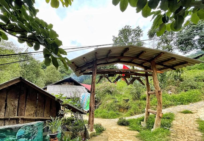 In Photos: Unique Gates of Sin Suoi Ho