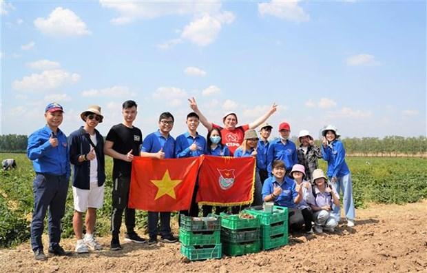 Vietnamese Students Participate in International Volunteering Program in Moscow