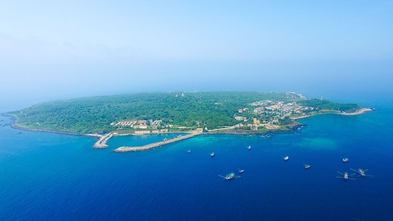 Con Co – a peaceful little island in the middle of the East Sea. Photo: quangtri.gov