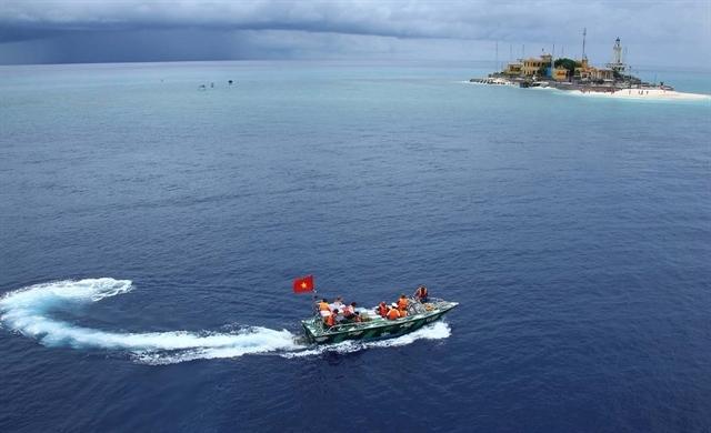 Approaching An Bang (Amboyna Cay) Island in Vietnam's Truong Sa (Spratly) archipelago. VNA/VNS Photo Quy Trung
