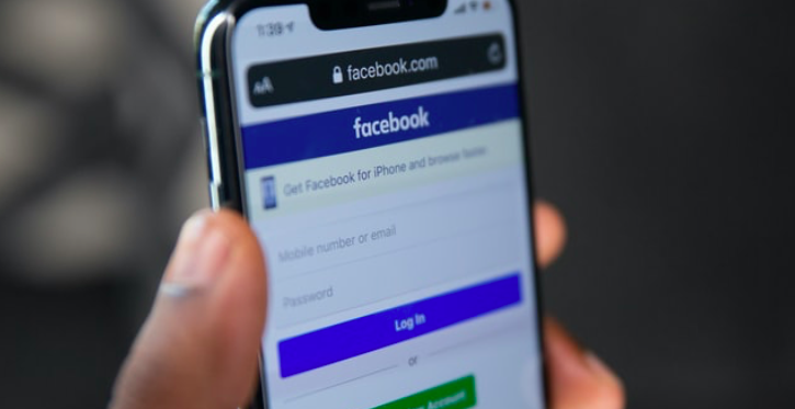 Facebook to Let Users Become 'Experts' to Cut Down On Misinformation