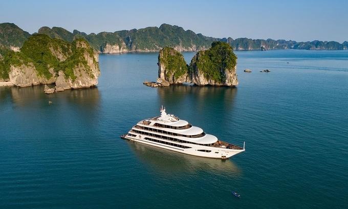 A cruise ship on Ha Long Bay, Quang Ninh Province. Photo courtesy of Scarlet Pearl Cruises. Photo: VnExpress